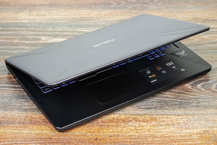 ASUS TUF Gaming FX705G-1
