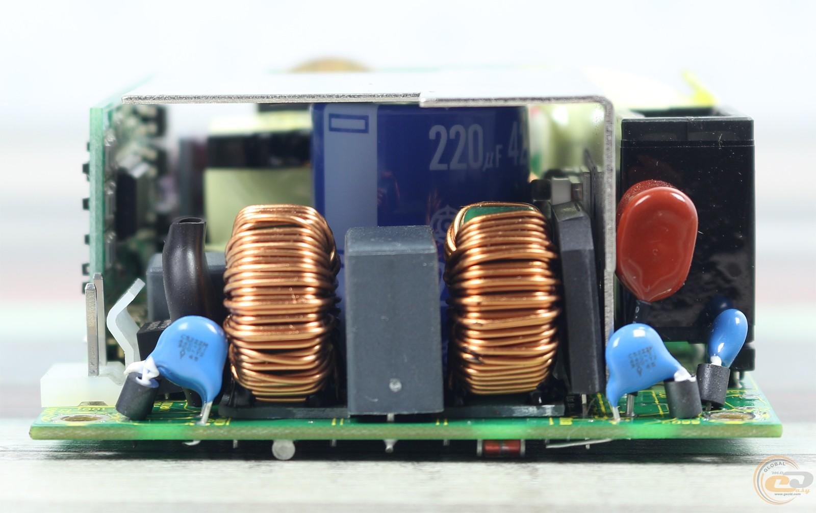 Устройство грозозащиты OSNOVO SP-CPD/220 для цепей видео питания и данных 110/220B 0.5А